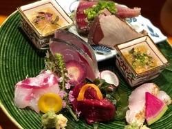 魚介類とお肉料理が両方召し上がれるコースです。