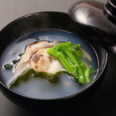 四季折々の恵みが感じられる食材を、料理人自ら吟味