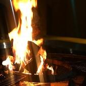 火を囲みながらじっくりと語り合う。