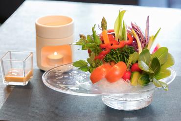 新鮮な野菜を堪能できる『シェフ厳選野菜のバーニャ・カウダー』