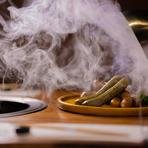 専用の熟成庫を用意。旨みと香りの凝縮された、熟成肉を楽しめる