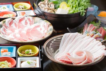 アグー豚の美味しさを堪能できる『金城アグーと島野菜のしゃぶしゃぶ鍋コース』
