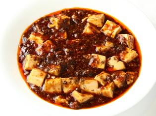 中国から仕入れたスパイスや調味料、国産食材