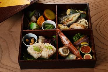 京料理は、仕出しの文化なしで語れない『季節の弁当』