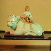初代諏訪蘇山作「牛に乗る童」