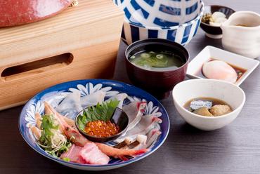 自分で作るのが楽しい『海鮮丼』(ランチ)