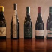 ソムリエが厳選した700種という膨大なセレクションのワイン