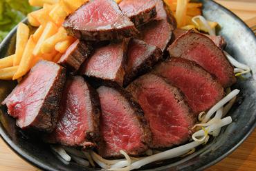 部位とサイズが選べる『塊肉ステーキ』