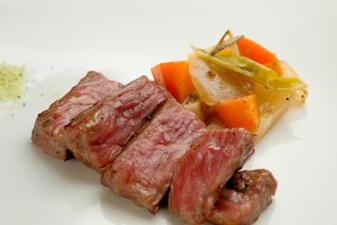 肉の旨みがじゅわ~っと広がる『特上熟成奈良大和牛ランプ(60g)』