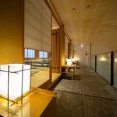 和の趣き漂う3階廊下