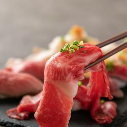 今大注目に肉ずし!肉バルだからできる厳選したお肉を使用した究極の肉ずし食べ比べを実現致しました!