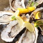 石巻市・雄勝湾の漁師さんから直送。水深40mのキレイで冷たい環境で育つので一年中、生!で食べられる。 やっぱり牡蠣は生!レモンでシンプルに牡蠣を味わって下さい 【プレミアム会員・ご予約価格 1pc ¥100】