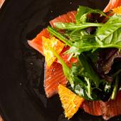 【人気筆頭の看板メニュー】A4和牛の炙り肉寿司(4貫)