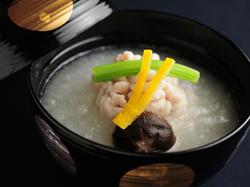 贅沢食材をふんだんに使用した特別コース。記念日や特別な日にお薦めです。
