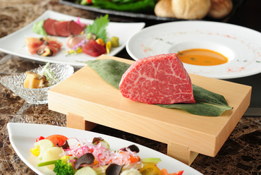 特別な日に食べたい『特選神戸牛シャトーブリアンディナーコース』