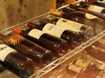 イタリア全土から選りすぐりのワインがラインナップ