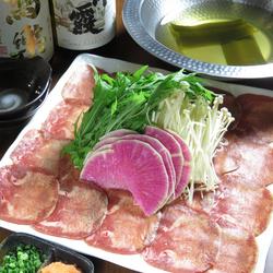 自家製ローストビーフ&鎌倉野菜のチーズフォンデュの夢のコラボが実現した女子会人気No.1のコース!