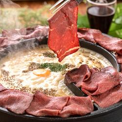 いま天神で話題の料理の食べ飲み放題セットプランをご用意致しました!肉×チーズの鉄板料理!