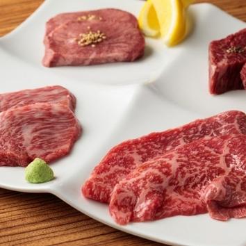 人気のおひつ御飯とカツサンドの12000円コース(税別)