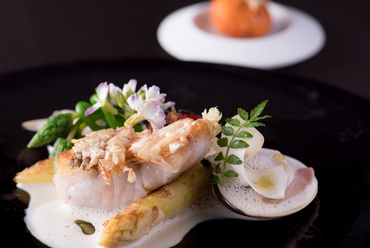 春夏秋冬の食材が織りなすハーモニーを感じる『旬の魚料理』