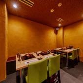 ビジネスの接待や会食に適した個室を完備