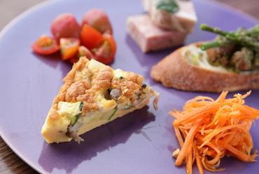 どんな料理が登場するのか期待に胸膨らむ、何度訪れても飽きのこない一皿『TAPAS盛り合わせ 5種』