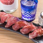 口の中に肉の旨みが広がる『和牛A5炙りにぎり6カン』