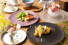 デザートがメインの3500円コース。軽食付きのデザートコースです。