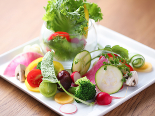 新鮮でみずみずしい、神戸の旬野菜が集う