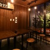 古民家を改築した和みの空間で、落ち着いて美酒佳肴を楽しむ