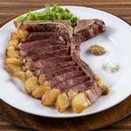 レモンの酸味と低脂肪生クリームで仕上げる、さっぱり&ヘルシーで女性にもおすすめ。パスタは埼玉から空輸する生タイプ。プリモの一皿ですが、食べる順番はお好みでどうぞ。