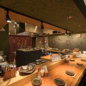 華麗な職人技に目を奪われる、臨場感たっぷりのオープンキッチン