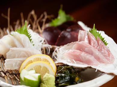 四季折々の海鮮を満喫できる『玄界灘刺身3種盛り』