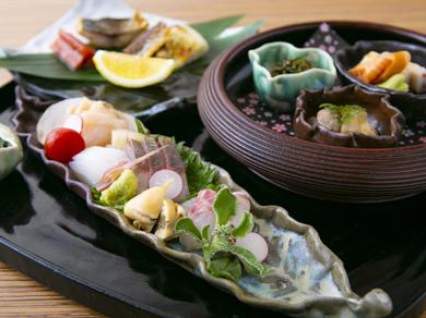 日本酒と相性の良い料理が一膳に『酒さかな膳』