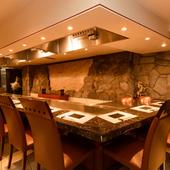 高級鉄板焼ならではの料理&雰囲気を肩肘はらないで楽しめる!