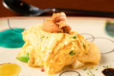 ウニの濃厚な旨みとコクがクセになる『生ウニと季節野菜のオムレツ』