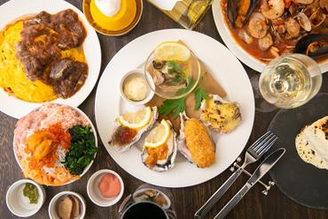 新鮮な魚介類が盛りだくさん。ユニークなネーミングと癖になる味が人気の秘密『絶望パスタ』