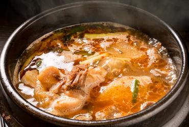 素材の旨味が凝縮された絶品スープ『テールスープ』