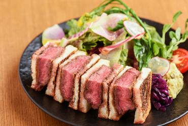 上質な肉を贅沢な牛カツサンドで! 『Ushimiサンド』