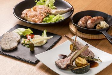ワインに良く合う肉のご馳走、種類も豊富な『シャルキュトリー』