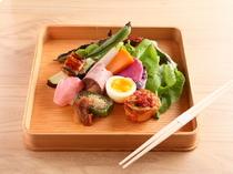 名旅館で腕を磨いてきた和食を味わう「鶏懐石」