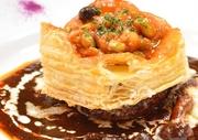 片山農園の知多半島たっぷり有機サラダ ロッシーニ バゲットor ライス 名物マカボンフルーツサンド&ジェラート  季節のスープ  +380円 パティシエのアシェットデセール +380円 *ディナーでも注文できます
