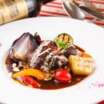 希少な山形豚を使用し、油で低温コンフィした 肉厚なのに柔らかく、旨味たっぷりの料理