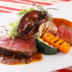 鹿肉・豚肉・鶏レバーを使用しドライフルーツで 甘みを足したパテ