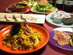 スペイン料理を手軽に楽しめる「大皿パーティープラン」飲み放題120分付