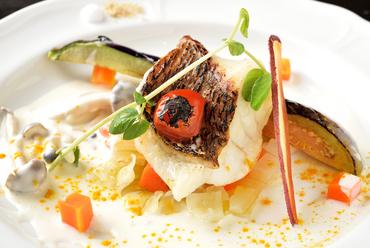 真鯛の旨みが凝縮された『岐阜県産 真鯛のポワレ』