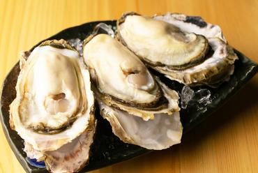 1粒に旨味が凝縮。一年中食べられる『北海道 厚岸 生牡蠣2Lサイズ(3年もの)』