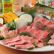 和牛ロース・和牛バラ・和牛ランプ・華咲きカルビ・上骨付きカルビ・ホルモン盛り合わせ・焼き野菜盛り合わせ