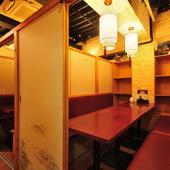 プライベートな個室で肉バルメニューを堪能