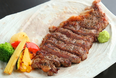 山形 華やかで濃厚な風味が極上『山形牛の網焼きサーロインステーキ』100g/200g